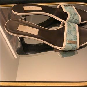 GUCCI Heels With GG logo